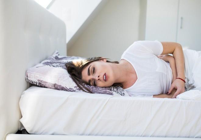 Nếu bạn bỗng thấy đau đớn ở vùng kín, đó có thể là dấu hiệu của những vấn đề sức khỏe nghiêm trọng - Ảnh 1.