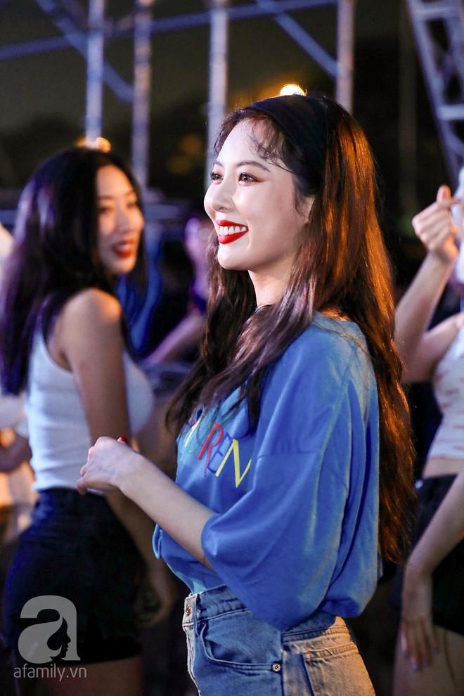 HyunA khoe vũ đạo cực kỳ nóng bỏng còn Highlight lại tặng fan Việt một loạt hit cũ thời còn là B2ST - Ảnh 4.