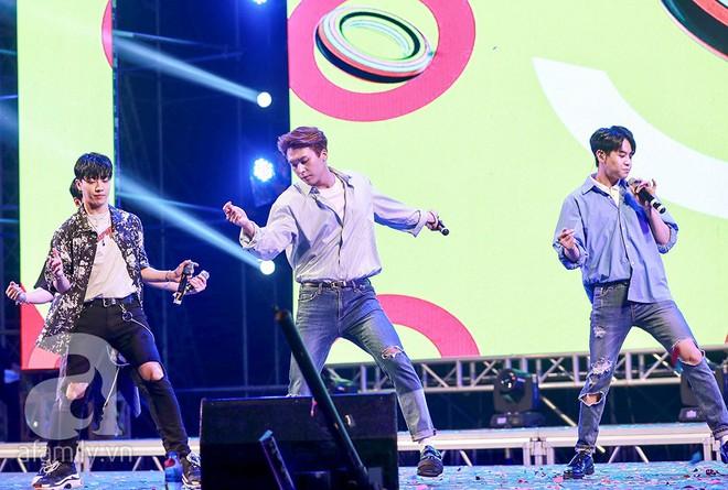 HyunA khoe vũ đạo cực kỳ nóng bỏng còn Highlight lại tặng fan Việt một loạt hit cũ thời còn là B2ST - Ảnh 13.