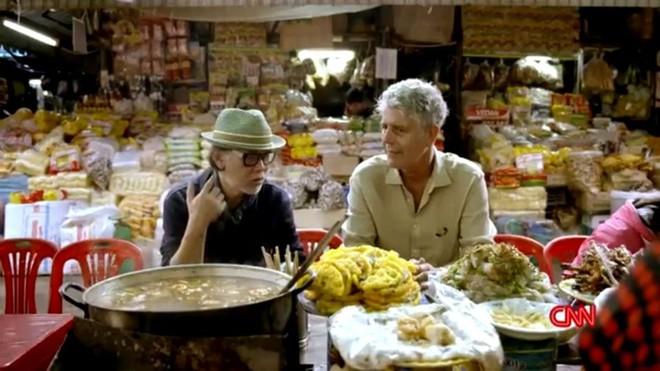 Hành trình yêu và đưa ẩm thực Việt ra thế giới của đầu bếp Mỹ nổi tiếng Anthony Bourdain - Ảnh 2.