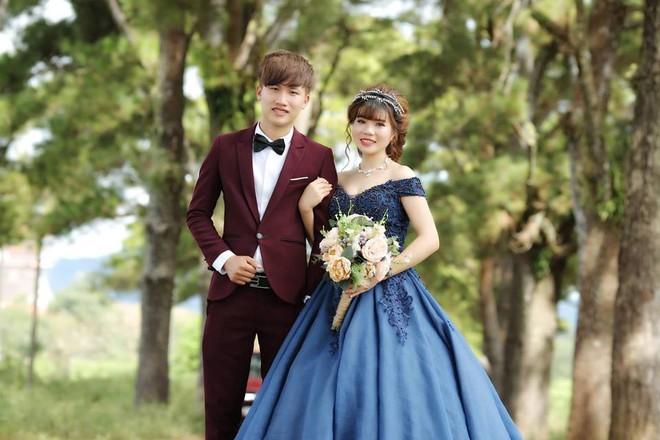 """Nổi tiếng vì được tặng tranh truyền thần trong đám cưới, cặp đôi Gia Lai tiết lộ chuyện tình """"thanh mai trúc mã"""" - Ảnh 2."""