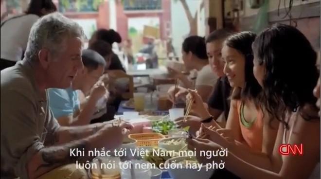 Bánh mỳ Hội An lên truyền hình Mỹ và những hình ảnh không thể nào quên khi đầu bếp Anthony Bourdain đưa ẩm thực Việt Nam đến gần hơn với thế giới - Ảnh 13.