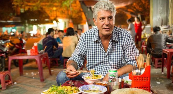 Bánh mỳ Hội An lên truyền hình Mỹ và những hình ảnh không thể nào quên khi đầu bếp Anthony Bourdain đưa ẩm thực Việt Nam đến gần hơn với thế giới - Ảnh 12.