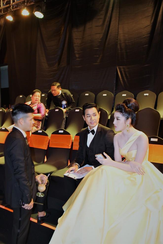Á Hậu Huyền My e ấp bên Nguyên Khang tại sự kiện quốc tế ở Myanmar - Ảnh 6.