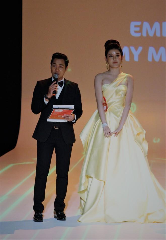 Á Hậu Huyền My e ấp bên Nguyên Khang tại sự kiện quốc tế ở Myanmar - Ảnh 2.