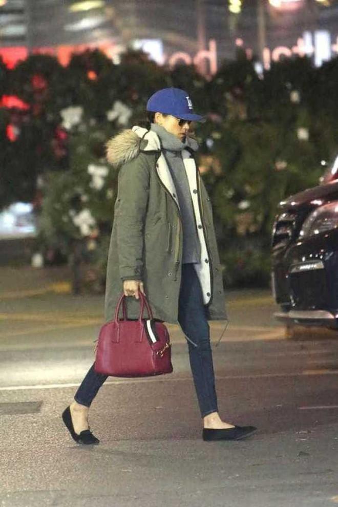 Đây chính là đôi giày bệt được hôn thê của Hoàng tử Harry đặc biệt yêu thích - Ảnh 3.