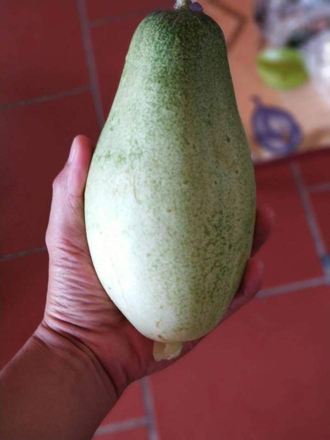 Nàng dâu đăng ảnh thách thức mọi cao thủ gọt dứa, dân mạng được thể rần rần khoe trái cây vườn nhà toàn hình thù lạ - ảnh 6