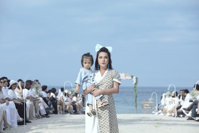 Bé Thỏ, mẫu lai Alex cùng loạt mẫu nhí đình đám khép lại Tuần lễ thời trang trẻ em Việt Nam mùa 6