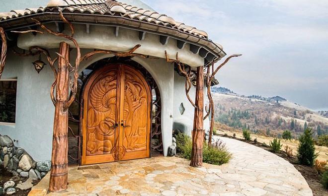 Ngôi nhà trông bên ngoài vô cùng giản dị nhưng khi bước vào bên trong bạn mới hiểu vì sao nó có giá lên tới 174 tỷ đồng - Ảnh 3.