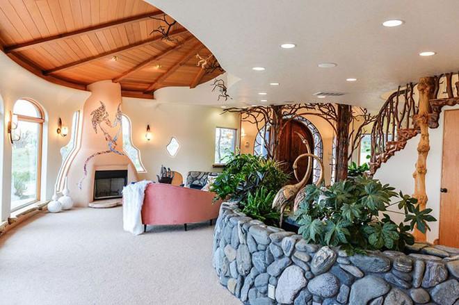 Ngôi nhà trông bên ngoài vô cùng giản dị nhưng khi bước vào bên trong bạn mới hiểu vì sao nó có giá lên tới 174 tỷ đồng - Ảnh 9.
