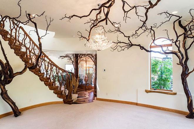 Ngôi nhà trông bên ngoài vô cùng giản dị nhưng khi bước vào bên trong bạn mới hiểu vì sao nó có giá lên tới 174 tỷ đồng - Ảnh 8.