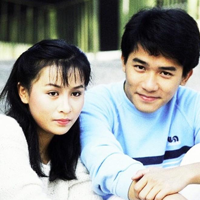 Hôn nhân kéo dài hơn 2-3 thập kỷ không con cái nhưng những cặp sao Hoa ngữ này vẫn hạnh phúc như lúc mới yêu khiến ai cũng ngưỡng mộ - ảnh 1
