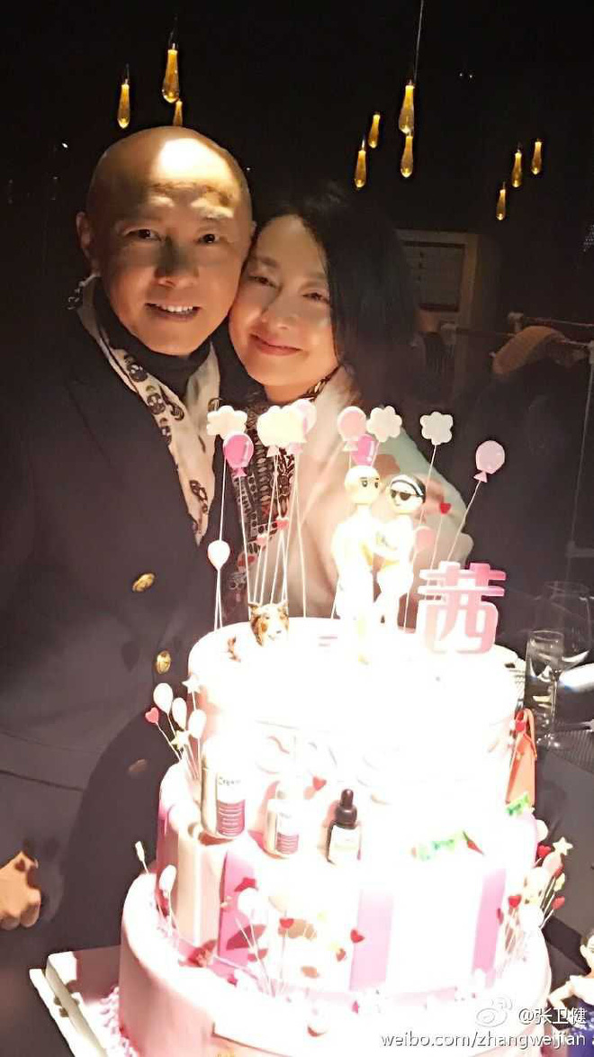 Hôn nhân kéo dài hơn 2-3 thập kỷ không con cái nhưng những cặp sao Hoa ngữ này vẫn hạnh phúc như lúc mới yêu khiến ai cũng ngưỡng mộ - ảnh 9