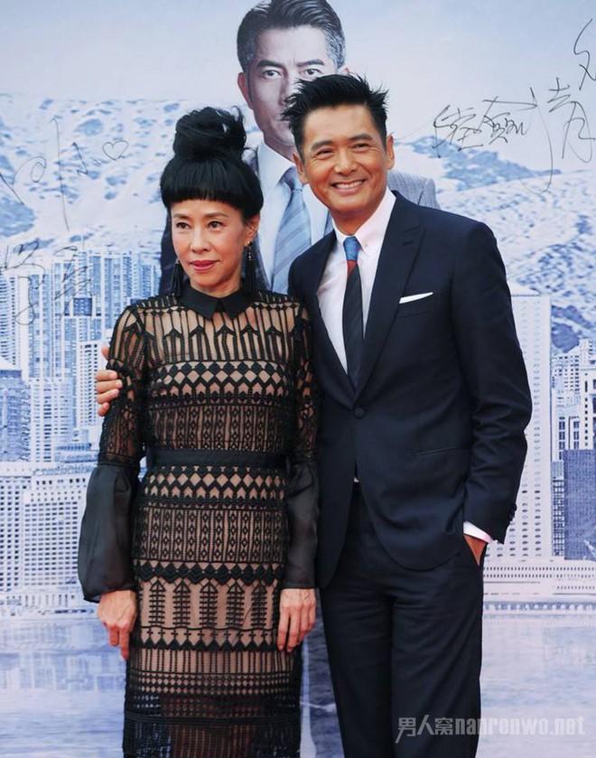 Hôn nhân kéo dài hơn 2-3 thập kỷ không con cái nhưng những cặp sao Hoa ngữ này vẫn hạnh phúc như lúc mới yêu khiến ai cũng ngưỡng mộ - ảnh 11