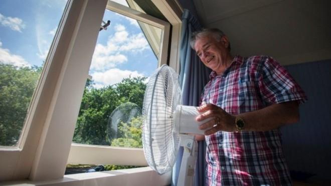 11 mẹo giúp làm mát nhà cực nhanh trong những ngày Hà Nội nóng tới 40 độ - Ảnh 3.