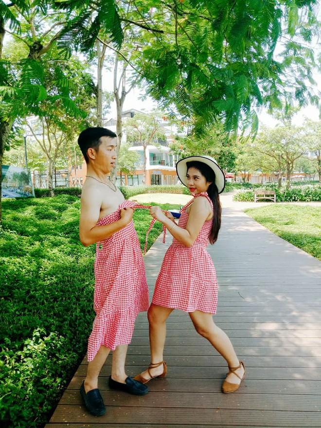 Giận dỗi vì phải tự lo từ trang phục đến chụp ảnh cưới, cô gái phục thù bằng cách cho chú rể mặc váy chụp hình - Ảnh 4.