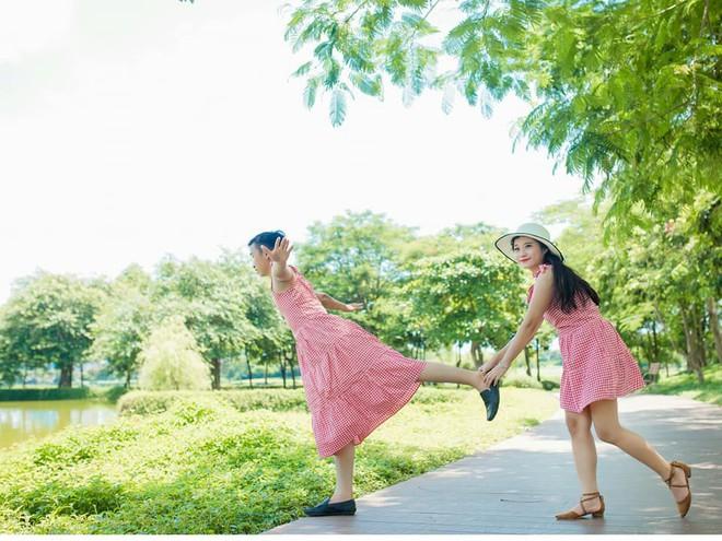 Giận dỗi vì phải tự lo từ trang phục đến chụp ảnh cưới, cô gái phục thù bằng cách cho chú rể mặc váy chụp hình - Ảnh 2.