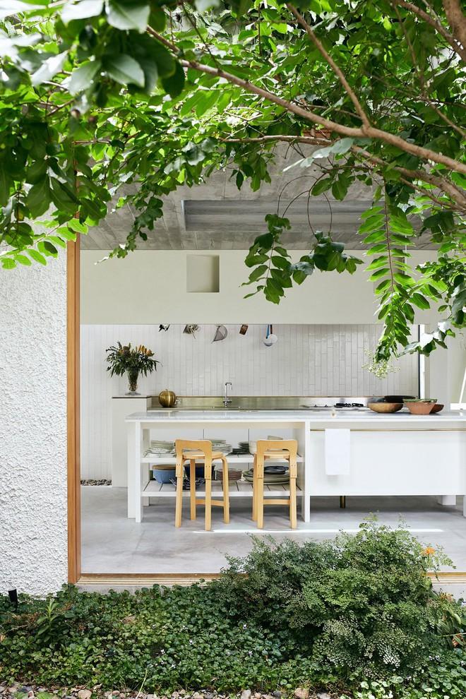 Ngôi nhà ở nông thôn đẹp bình yên và lãng mạn nhờ cải tạo theo phong cách Địa Trung Hải - Ảnh 3.