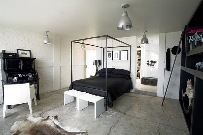 Trang trí nhà với hai gam màu đen và trắng sẽ khiến không gian sống của bạn không bao giờ bị lỗi mốt - Ảnh 12.