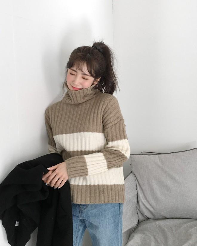 Nếu sợ áo len trơn màu nhàm chán, đã có loạt áo len họa tiết cứu giúp bạn đây - Ảnh 10.