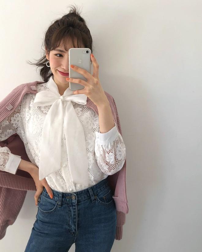 3 cách điệu của áo sơmi và áo blouse đang rất được lòng các nàng điệu đà vào thời điểm này - Ảnh 13.