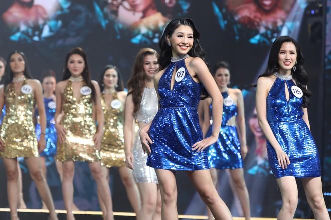 Những điểm trừ đáng tiếc của Chung kết Hoa hậu Hoàn vũ Việt Nam 2017 - Ảnh 11.