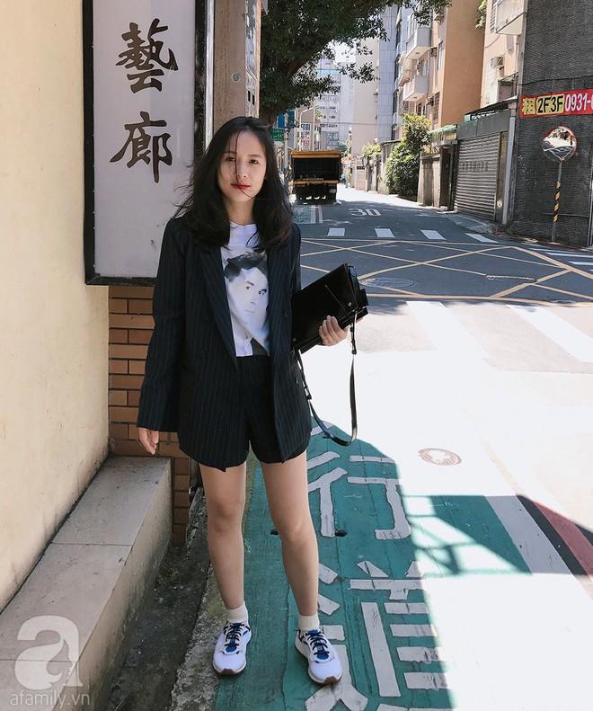 Trần Ngọc Hạnh Nhân: cô nàng 32 tuổi mê sneakers, đang mang bầu tháng cuối nhưng vẫn mặc chất không kém nhiều 9x 10x - Ảnh 16.