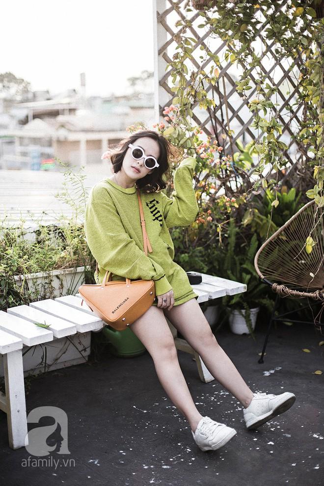 Trần Ngọc Hạnh Nhân: cô nàng 32 tuổi mê sneakers, đang mang bầu tháng cuối nhưng vẫn mặc chất không kém nhiều 9x 10x - Ảnh 10.