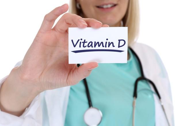 Lý do vitamin D quan trọng đối với sức khỏe của phụ nữ và bổ sung bao nhiêu thì đủ - Ảnh 2.
