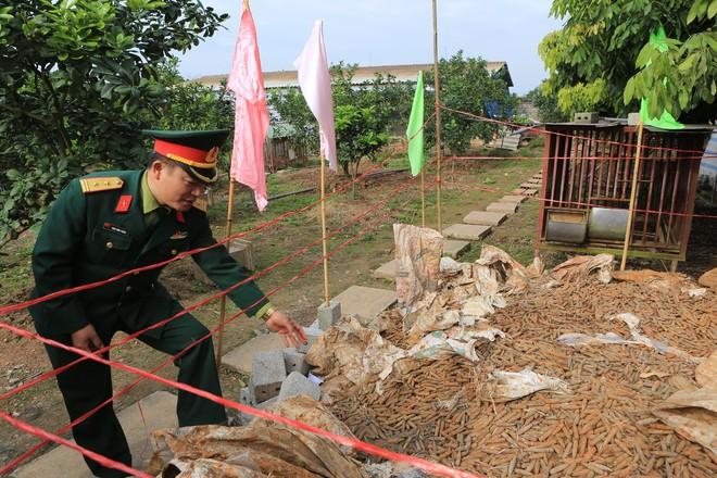 Vụ phát hiện đạn trong nhà dân ở Hưng Yên: Mới được thu gom 2 tháng gần đây - Ảnh 6.