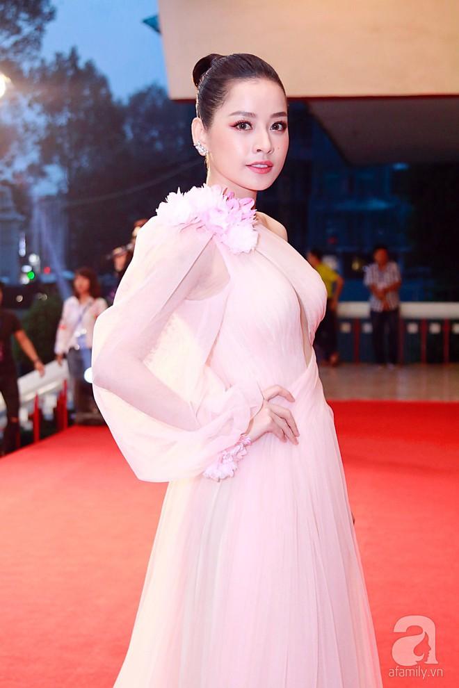 Chi Pu - Gil Lê tránh mặt nhau trên thảm đỏ Vlive Year End Party 2017 - Ảnh 5.