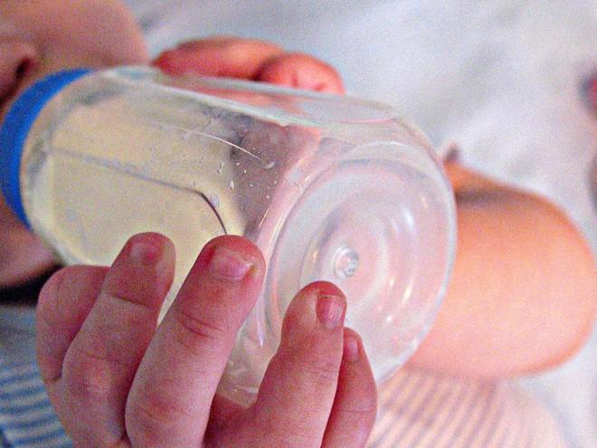 Lần đầu làm mẹ sẽ nhàn tênh nếu bạn biết đến 15 mẹo vặt chăm sóc trẻ sơ sinh dưới đây - Ảnh 5.