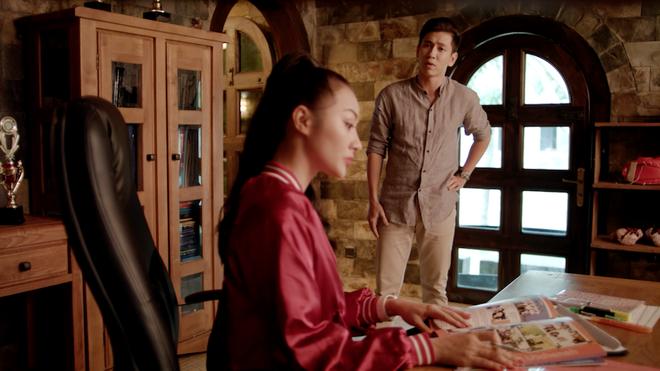 Hạnh phúc bên Hữu Vi chưa lâu, Angela Phương Trinh bất ngờ bị đuổi học - ảnh 2
