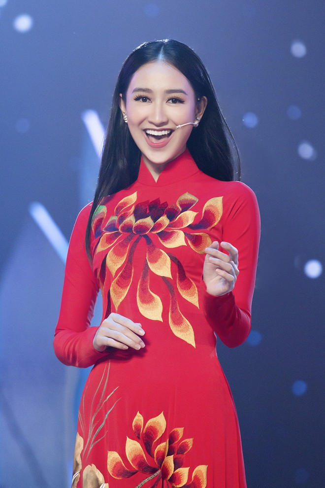 Hà Thu - Nam Em diện áo dài rực rỡ, khoe giọng ngọt ngào khi hát Bolero - Ảnh 3.