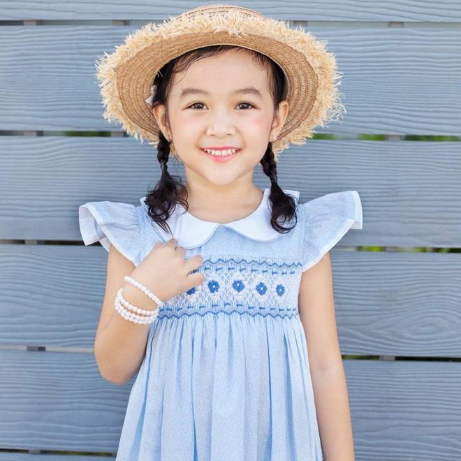 Loạt ảnh giải mã độ đáng yêu của mẫu nhí được ví là bản sao của Angela Phương Trinh - Ảnh 21.