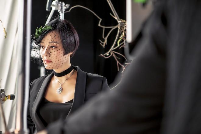 Tạo hình sắc sảo của Jang Mi Hee trong phim