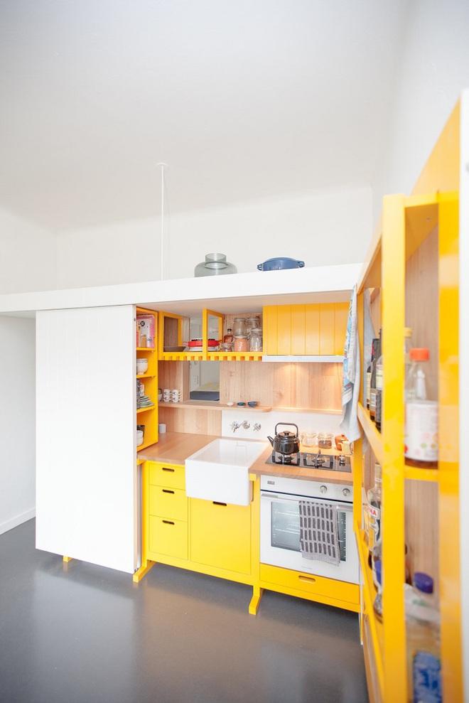 Căn bếp tuy nhỏ nhưng cực kì tiện lợi dành cho những căn hộ có diện tích hẹp - Ảnh 4.