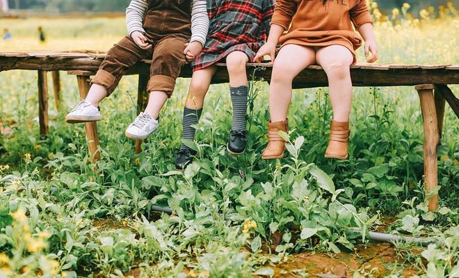 Bộ ba bạn thân Mầm - Mũm - Mon xuất hiện siêu yêu trong bộ ảnh chụp trên cánh đồng hoa cải - Ảnh 15.
