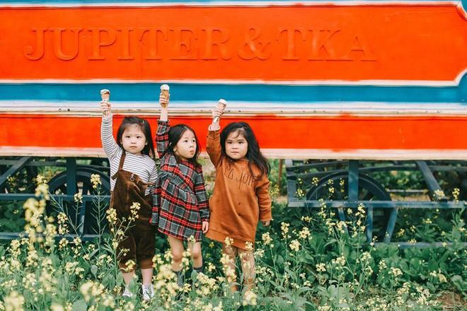 Bộ ba bạn thân Mầm - Mũm - Mon xuất hiện siêu yêu trong bộ ảnh chụp trên cánh đồng hoa cải - Ảnh 22.