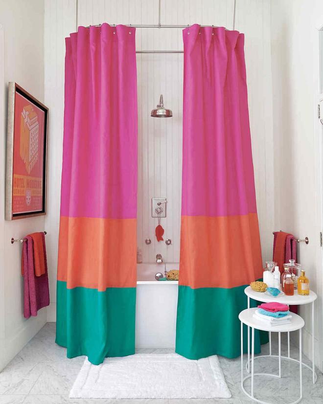 6 ý tưởng tự tay thiết kế rèm nhà tắm đáng để học tập - Ảnh 1.
