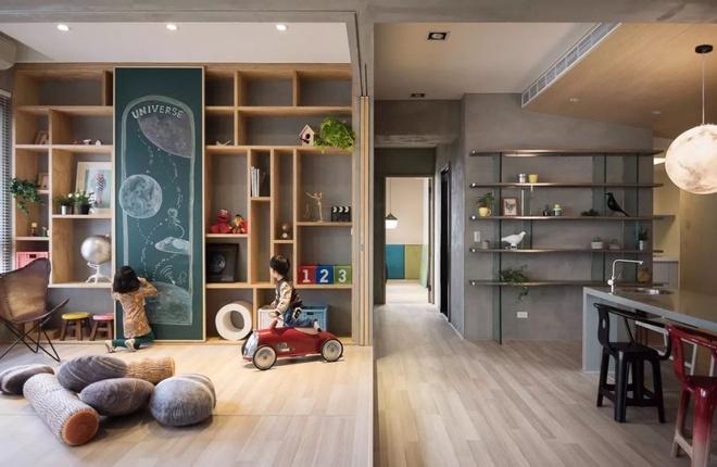 Căn hộ đơn sắc nhưng lấp lánh màu hạnh phúc dành cho gia đình có con nhỏ ở Nhật Bản - Ảnh 1.
