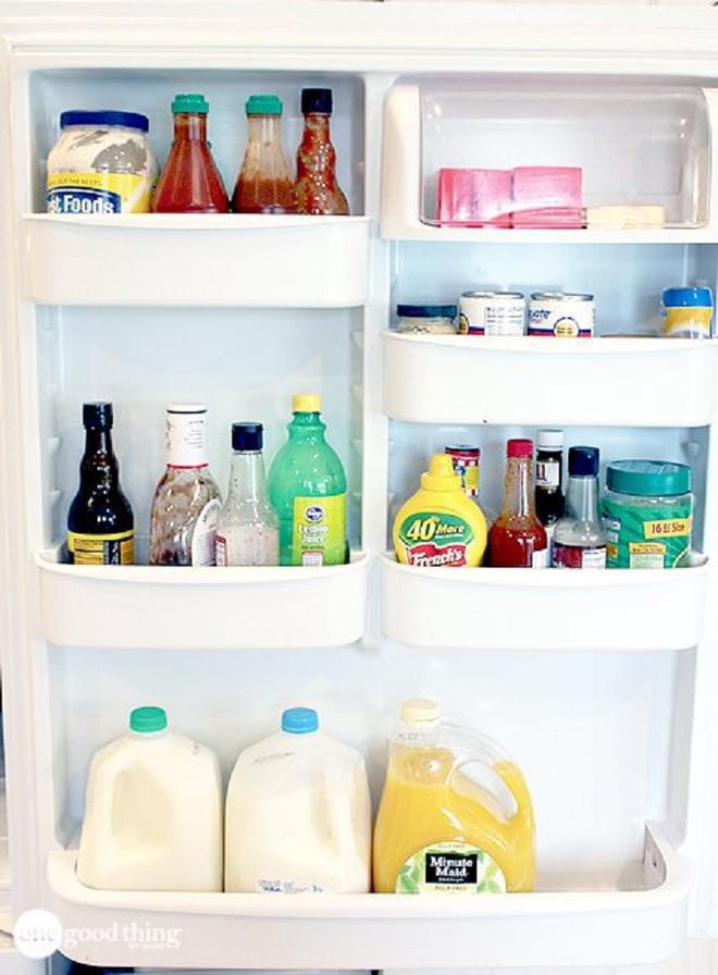 Mách bạn cách làm sạch và sắp xếp thực phẩm trong tủ lạnh ngày Tết - Ảnh 2.