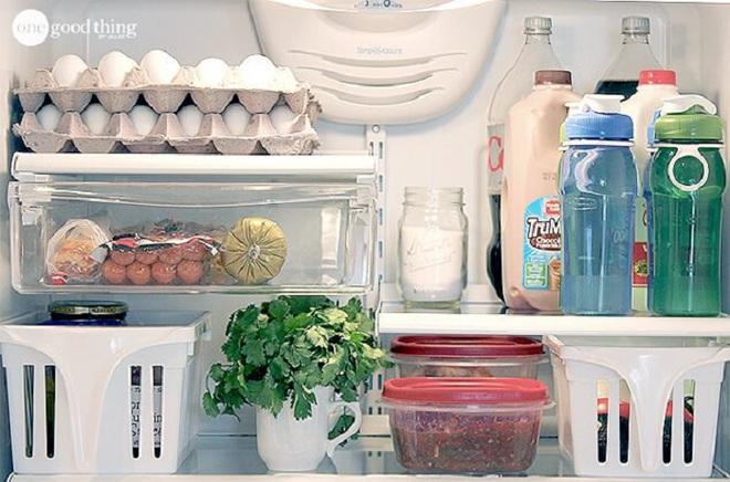 Mách bạn cách làm sạch và sắp xếp thực phẩm trong tủ lạnh ngày Tết - Ảnh 12.