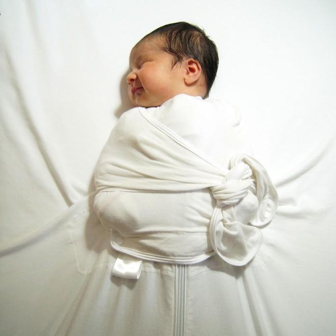 Bé gái 4 tháng tuổi bị chết ngạt khi ngủ vì quấn tã và lời cảnh tỉnh cho các cha mẹ - Ảnh 2.