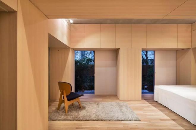 Căn hộ 62m² đẹp cuốn hút và gọn gàng với hàng trăm ngăn tủ của đôi vợ chồng trẻ ở Nhật - Ảnh 11.