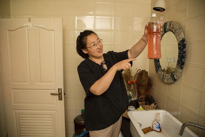 Ngôi nhà được cải tạo bằng vật liệu tái chế và cuộc sống ý nghĩa của cô gái quanh năm thu lượm rác thải để làm sạch môi trường - Ảnh 8.