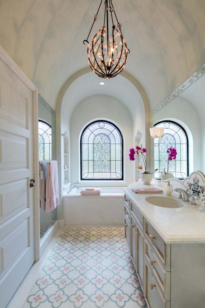 Những nhà tắm mang phong cách vùng Địa Trung Hải đầy nắng và gió - Ảnh 11.