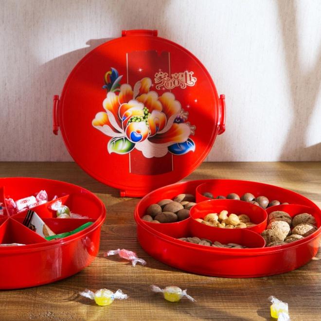 14 mẫu khay đựng bánh kẹo, mứt Tết cho nhà vừa đẹp vừa sang - Ảnh 1.