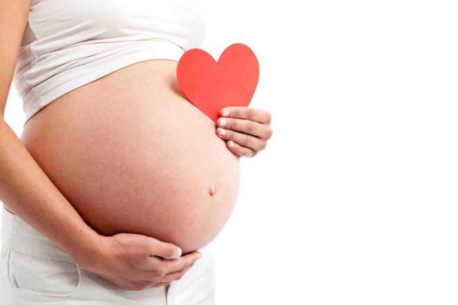 """Con 6.3kg mẹ vẫn sinh thường mà không cần dùng thuốc giảm đau – cảnh báo hội chứng """"bé bự"""" nguy hiểm - Ảnh 3."""