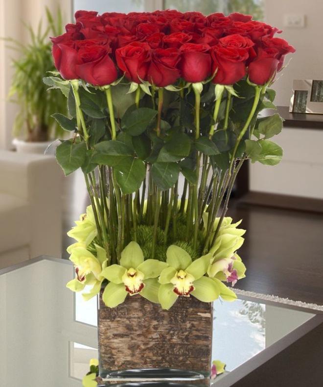 Bạn có thể tự tin mua bất kỳ loài hoa nào dịp Tết khi biết 4 cách chăm sóc hoa đơn giản này - Ảnh 2.
